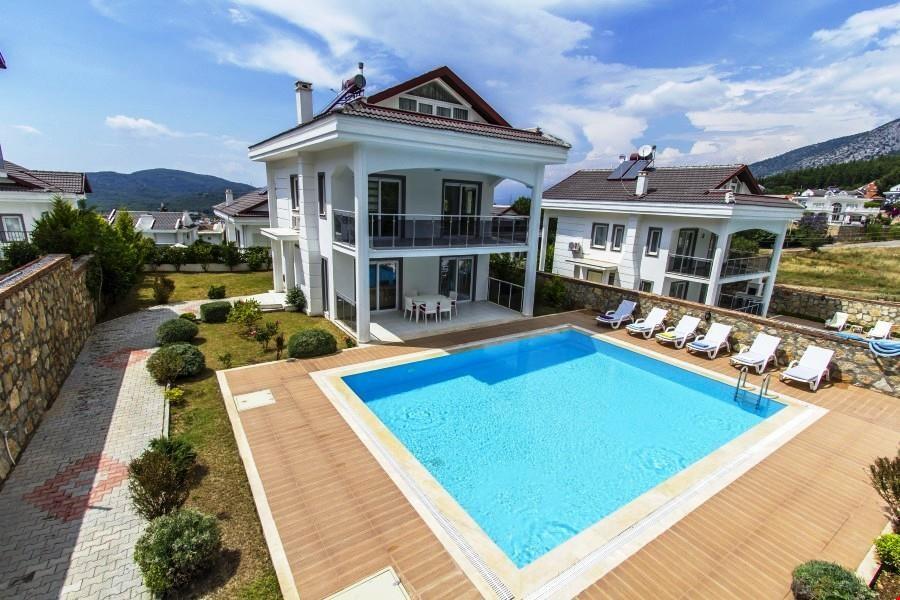 Villa Aktiva