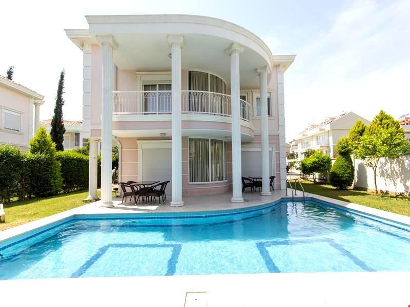 Villa Delmira 1