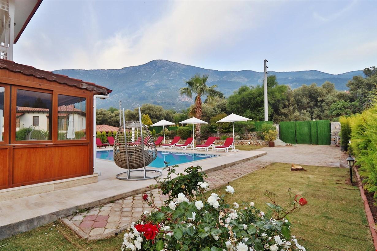 Villa Mount
